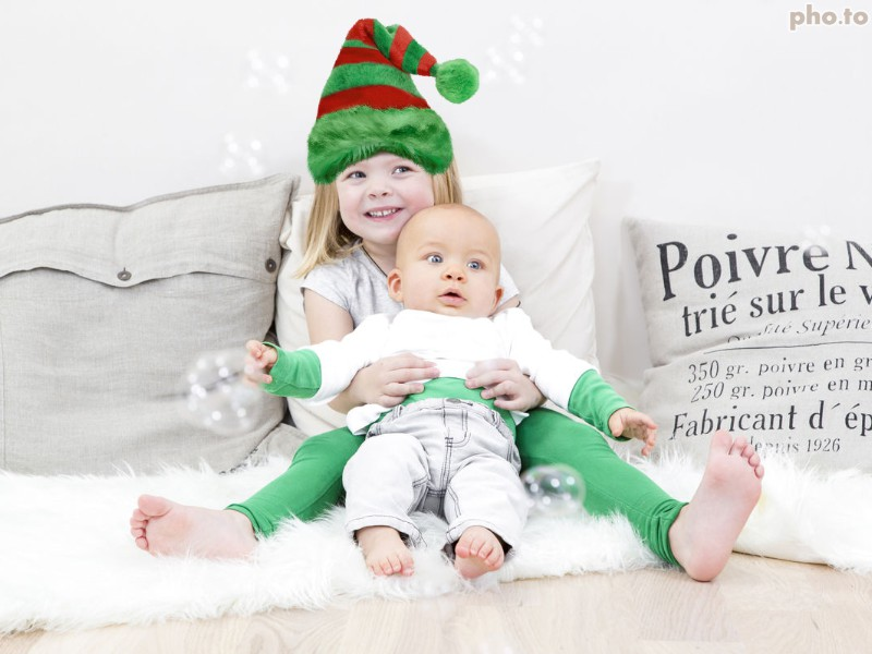 Christmas elf hat template suits perfectly for a kids' photo.