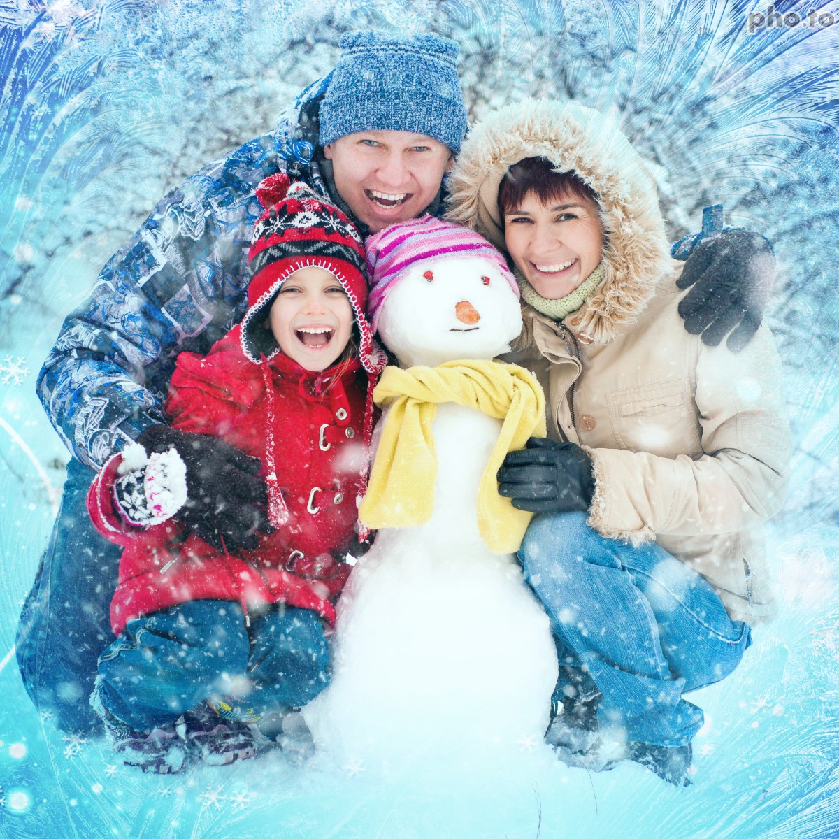 Add a frozen photo background to frame your picture for free