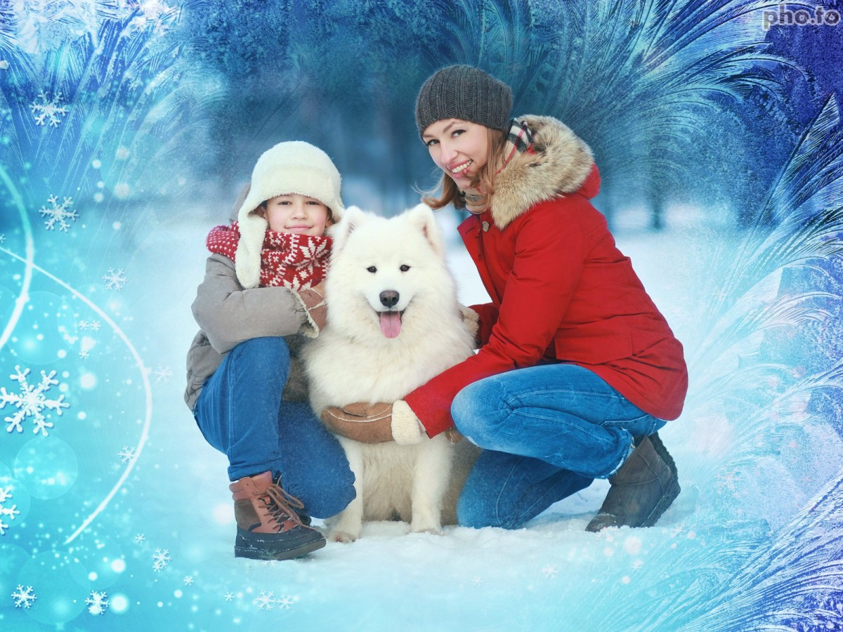 Decorate your winter themed family photos with the help of frozen photo frame.