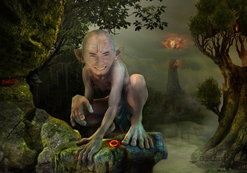 gollum face in hole maker become a smeagol in a click