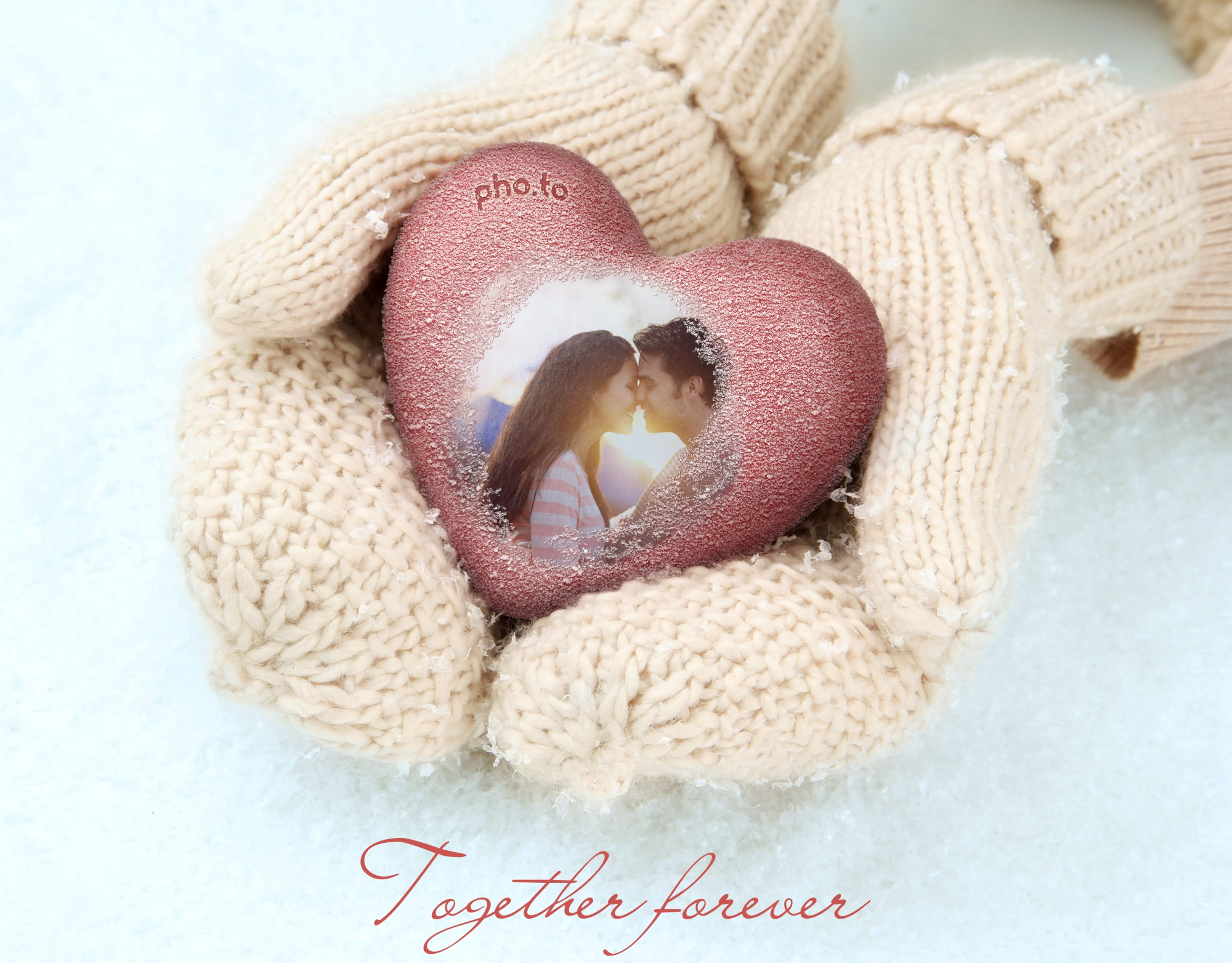 Your romantic photo can have a new look in this winter heart in hands.