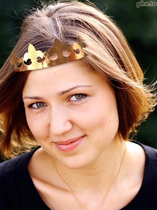 Crown yourself with this virtual crown photo effect