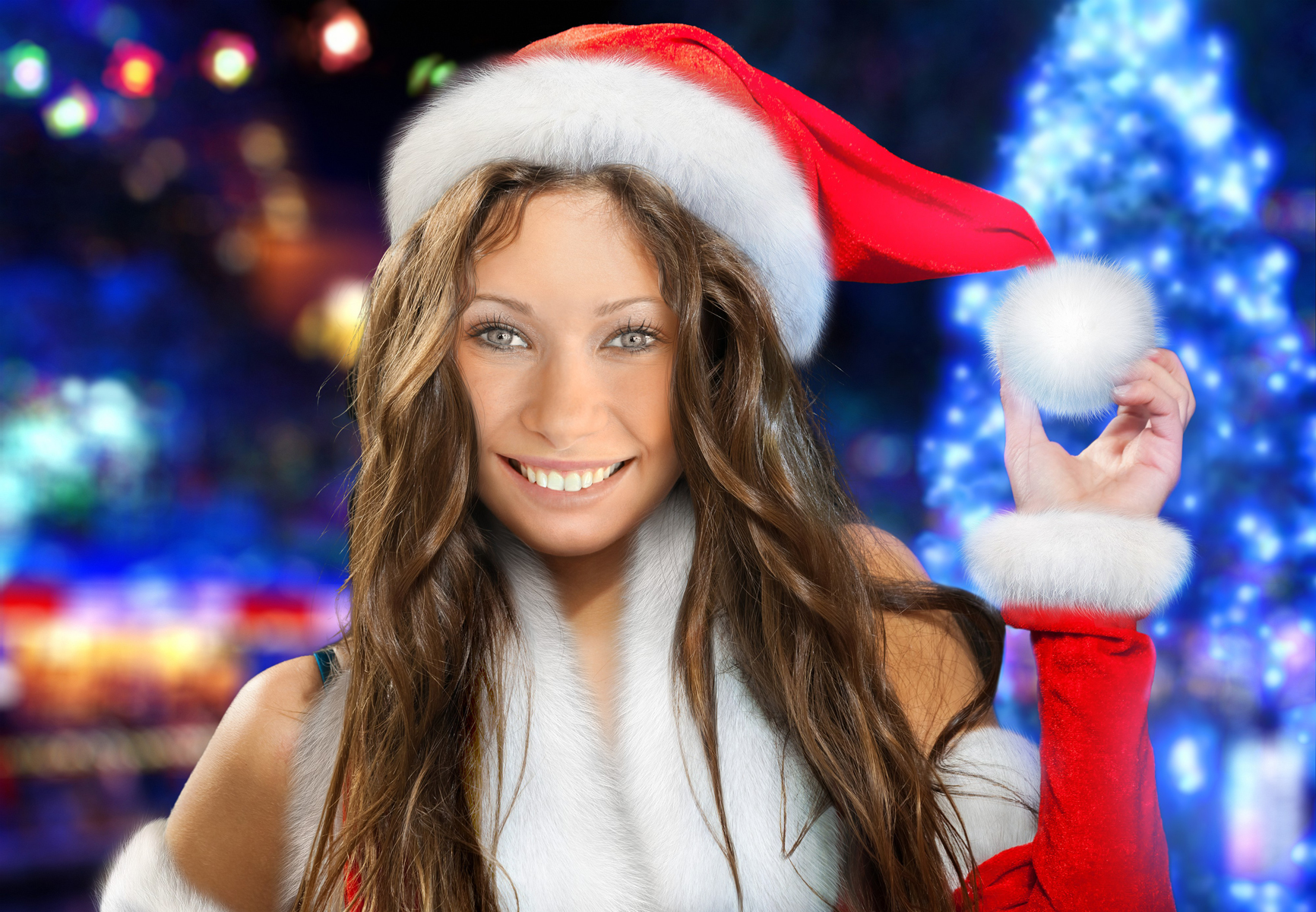Demonstration of Christmas face-in-hole effect with Santa girl