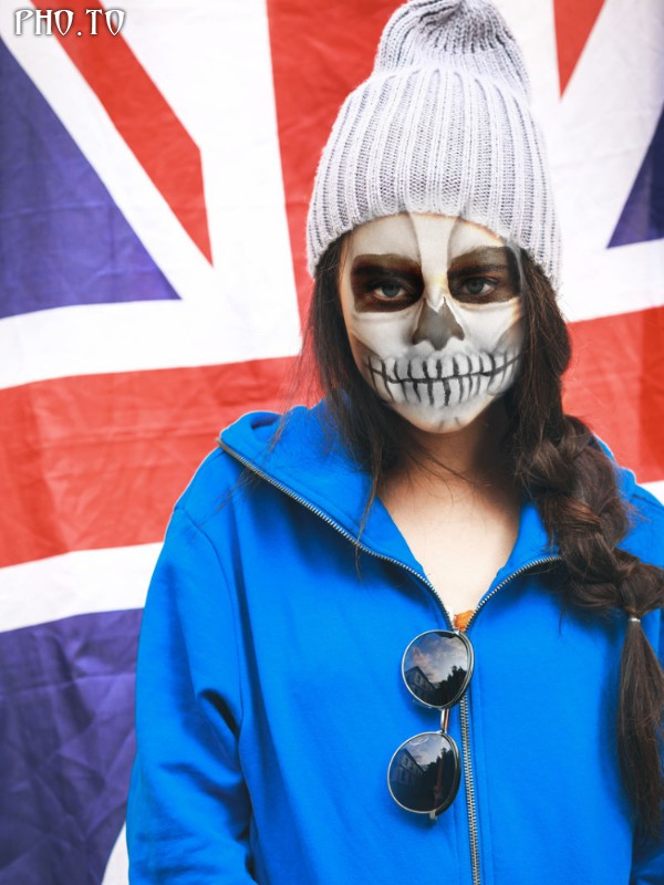 Skull photo editor to make creepy face painting in photos